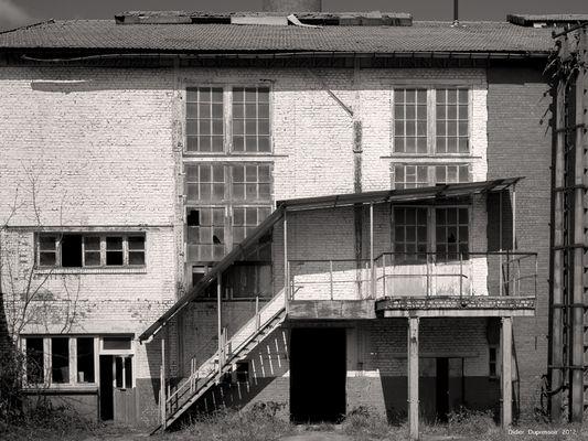 Façade de la vieille usine