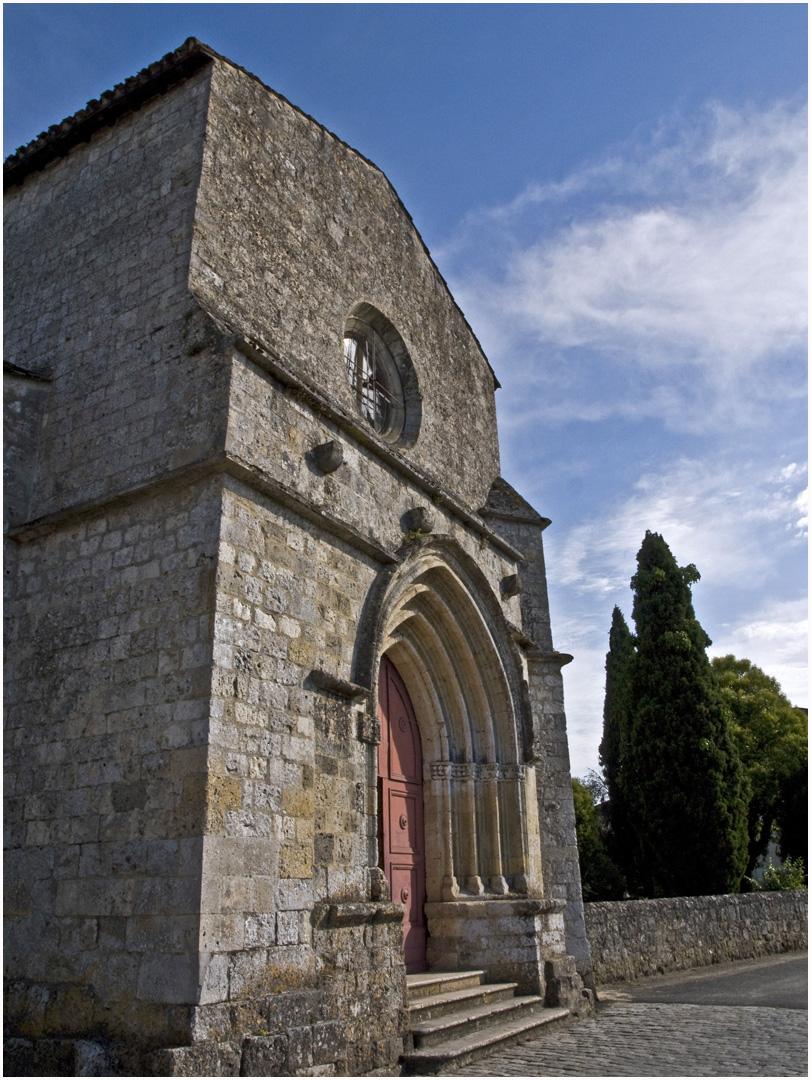 Façade de l'Eglise fortifiée Saint-Christophe (XIIème) --  Vianne