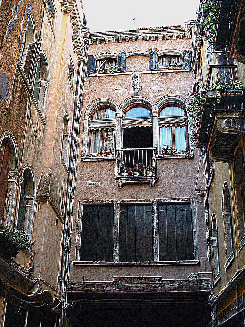 façade intérieure vénitienne