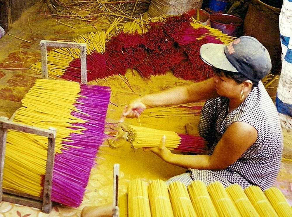 fabrication de bâtons d'encens