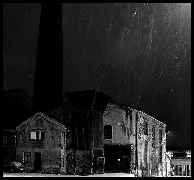 Fabrik in Chemnitz bei Schneefall
