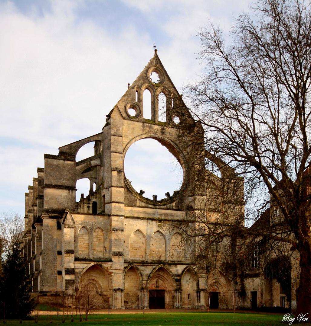 Facade d'Abbaye de Lonpont