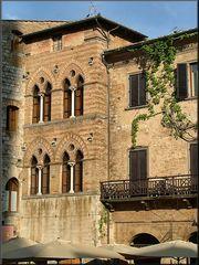 Facciata a San Gimignano
