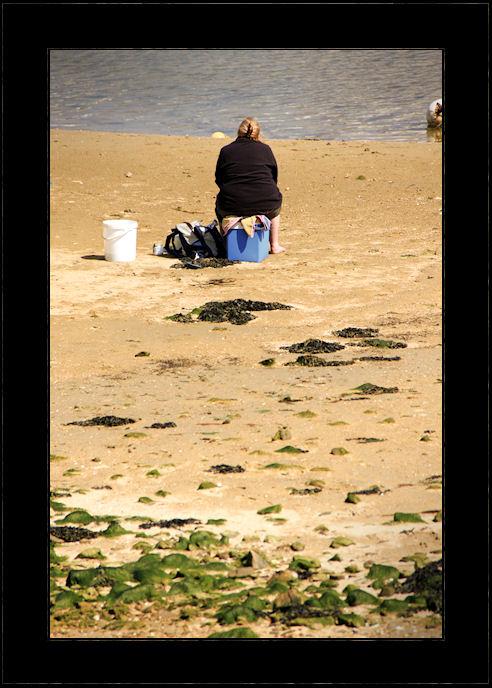 face à la mer le cul sur la bière