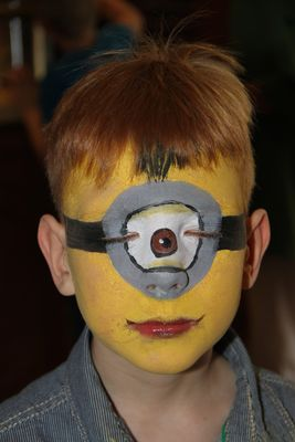 Face Painting: Minion