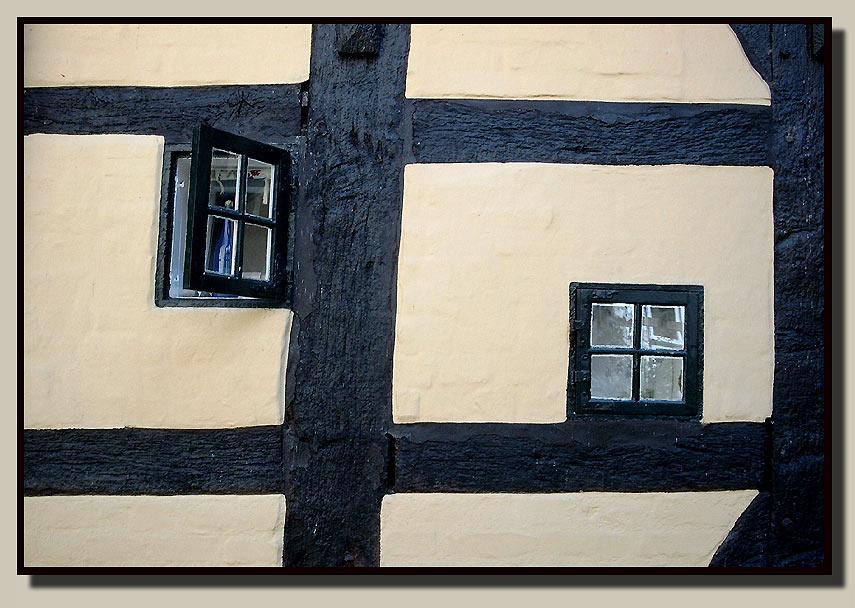 Fachwerk mit zwei Fenstern