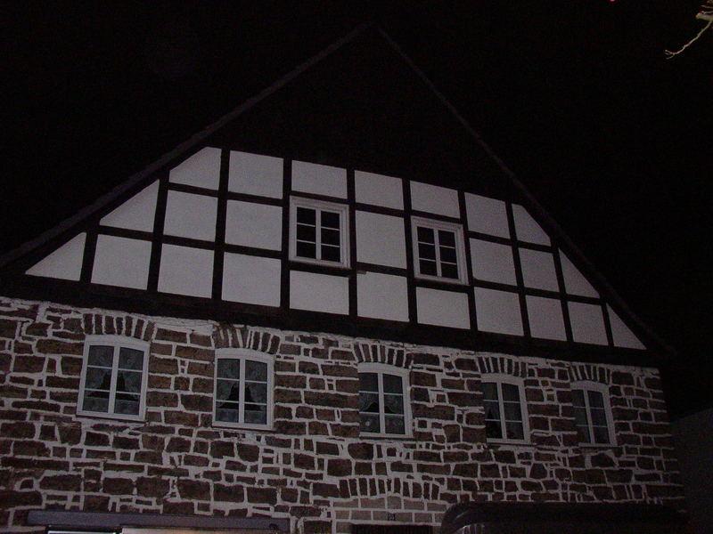 Fachwerkhaus bei Nacht