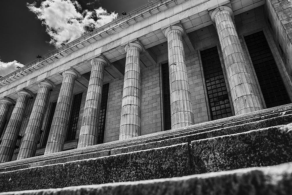Facultad de Ciencias Sociales y Derecho