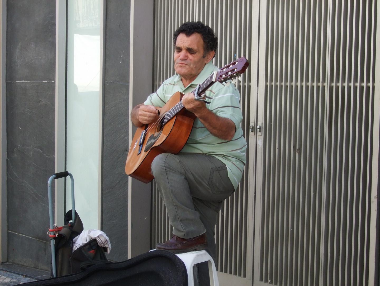 Fado en plena calle de Lisboa