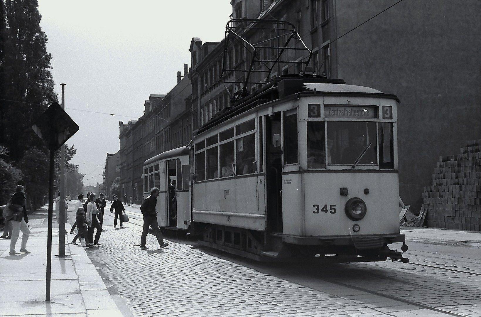 Fahgastwechsel an der Franz-Mehring Straße