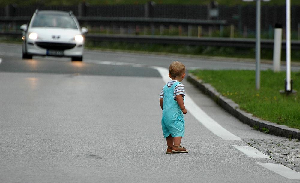 Fahr langsam! Es könnte auch dein Kind sein!