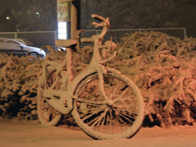 Fahrad im Schnee