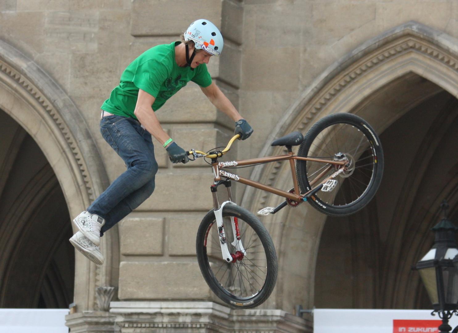 Fahrrad-Acrobatik