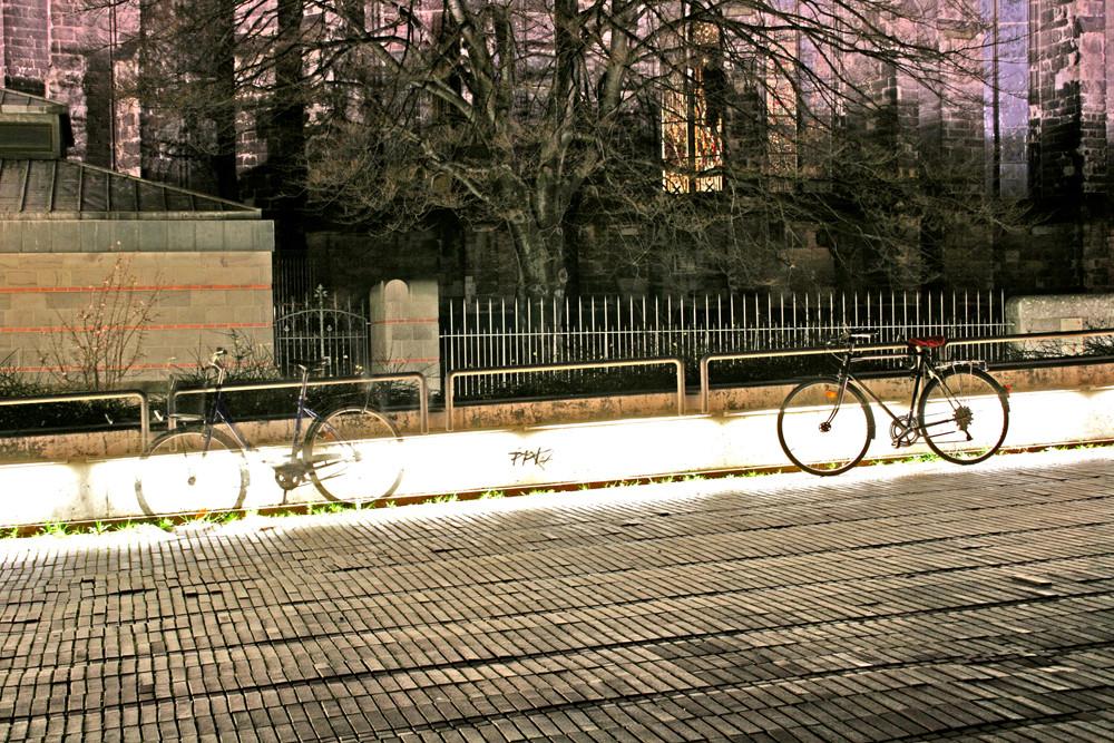Fahrrad am Kölner Dom