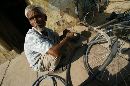 Fahrrad beim Reparieren