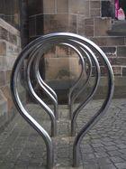Fahrradständer vor der Uni in Glasgow