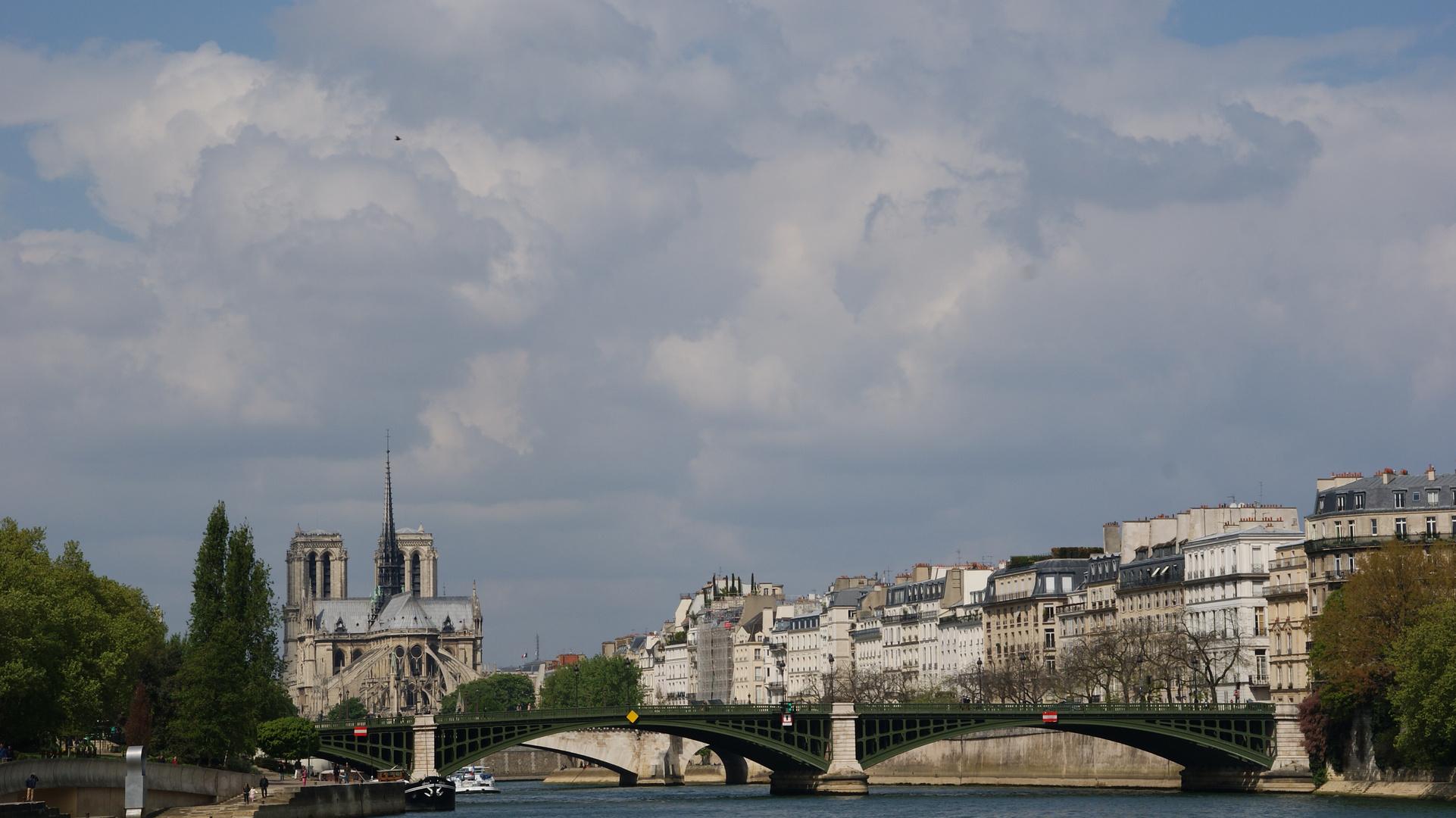Fahrt auf der Seine