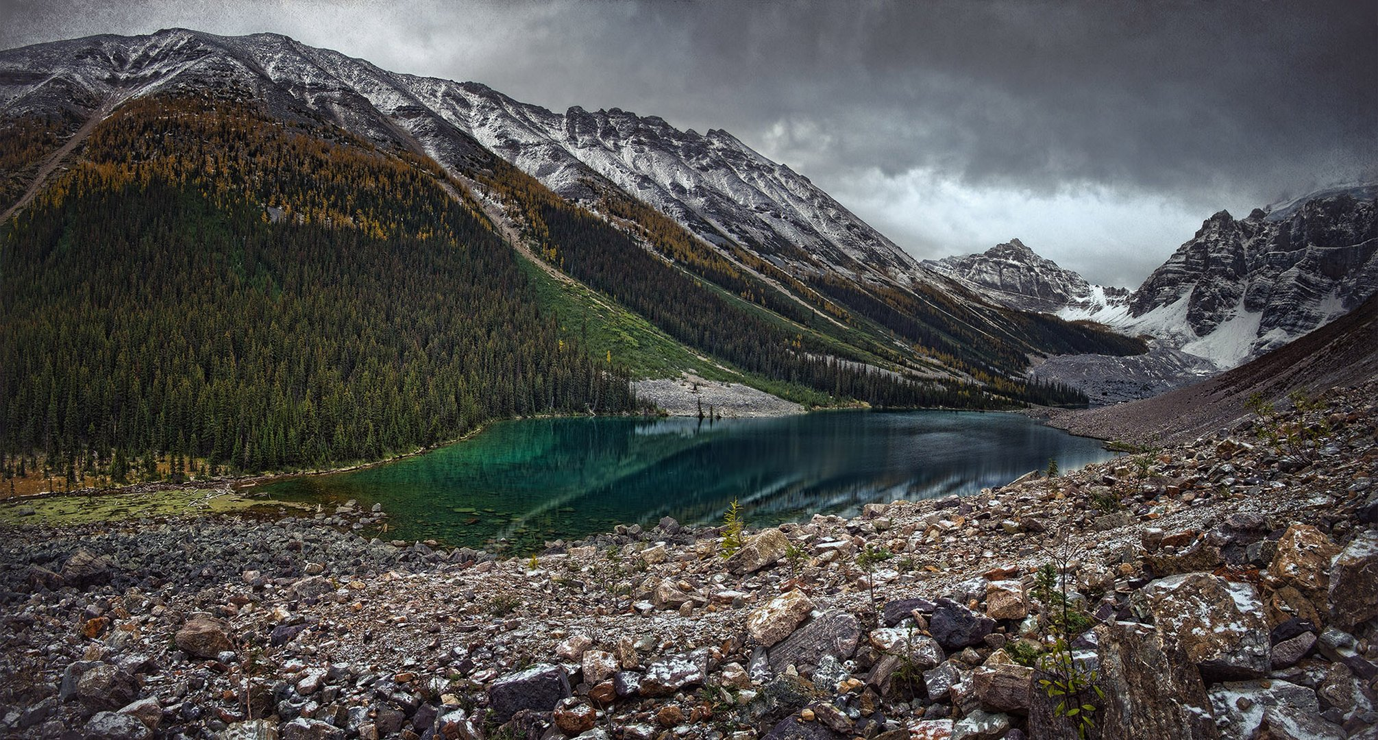 Fall Colours at Consolation Lakes