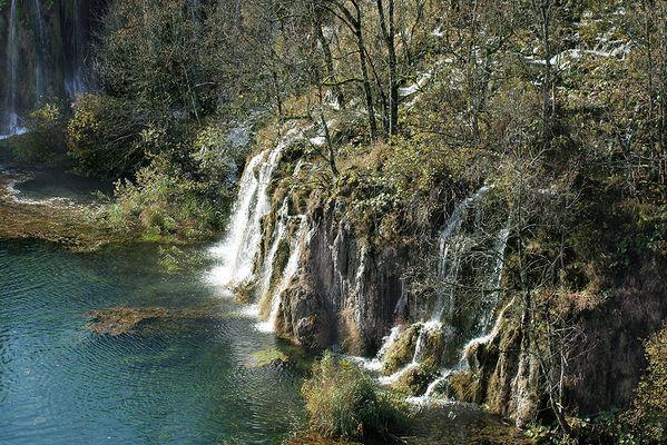 fallendes Wasser von Plitvice