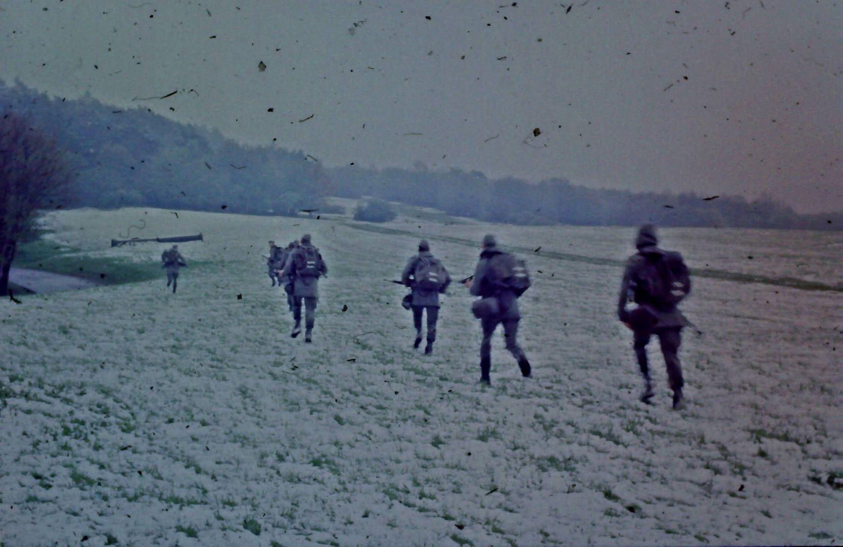 Fallschirmjäger rennen