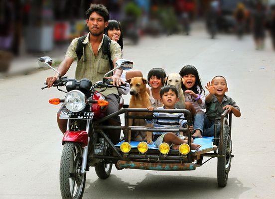 Familienausflug in Sumatra