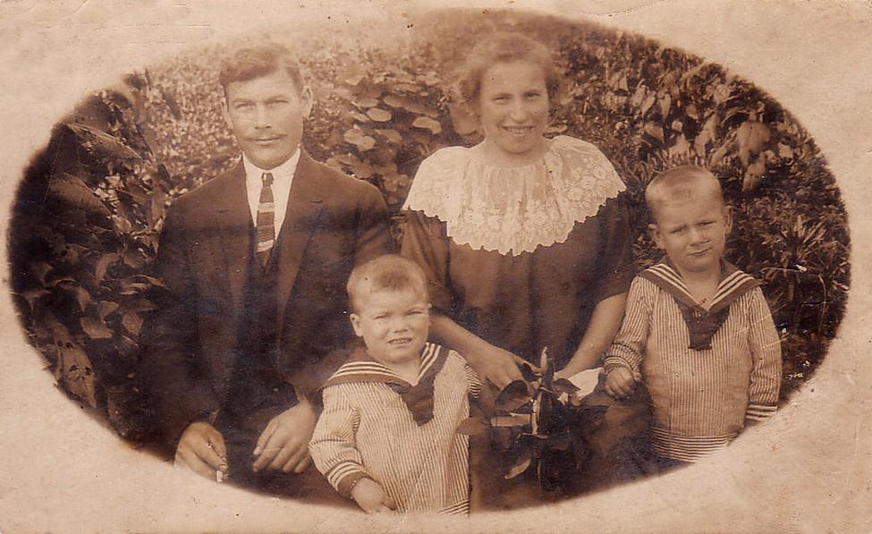 Familienbild um 1925