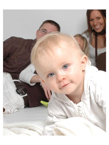 familienfoto mal anders foto bild kinder kinder ab 2 menschen bilder auf fotocommunity. Black Bedroom Furniture Sets. Home Design Ideas