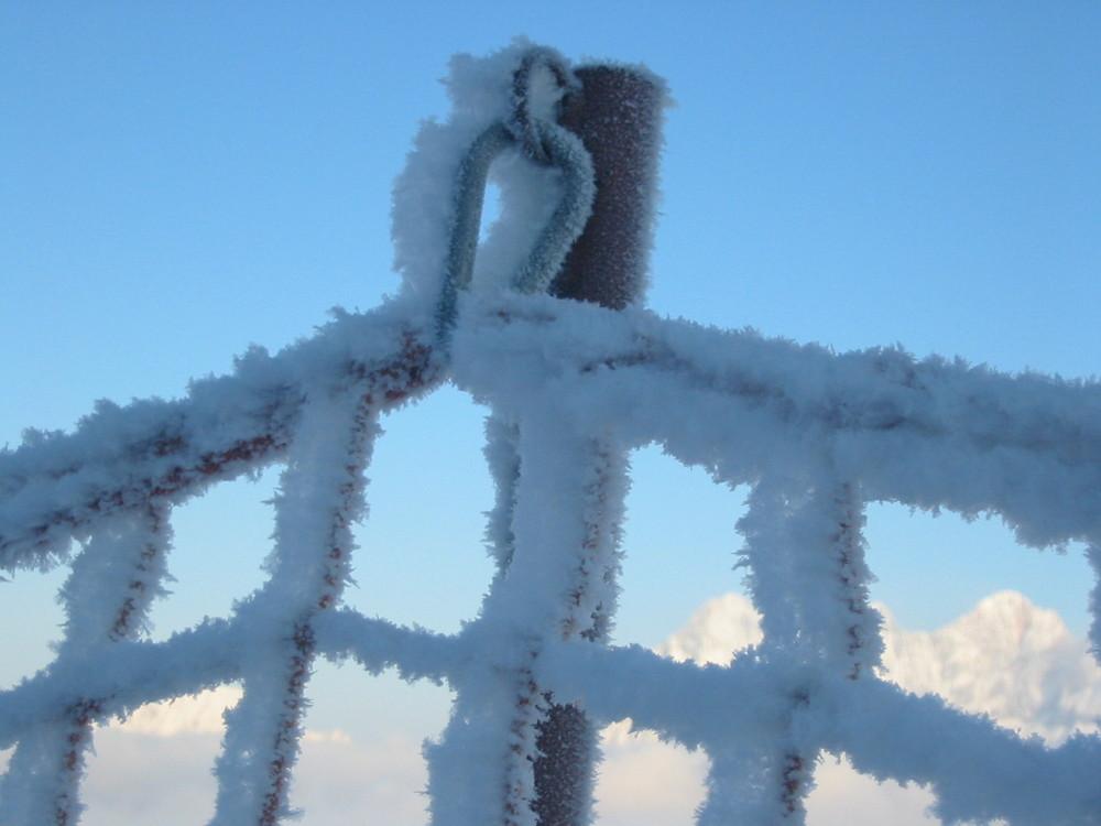 Fangzaun eingefroren