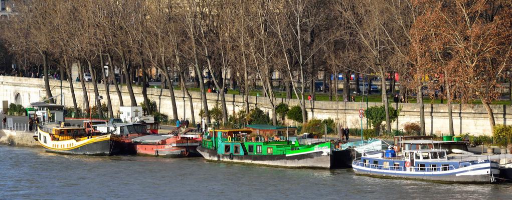 Farandole de couleurs sur les Quais de Seine.