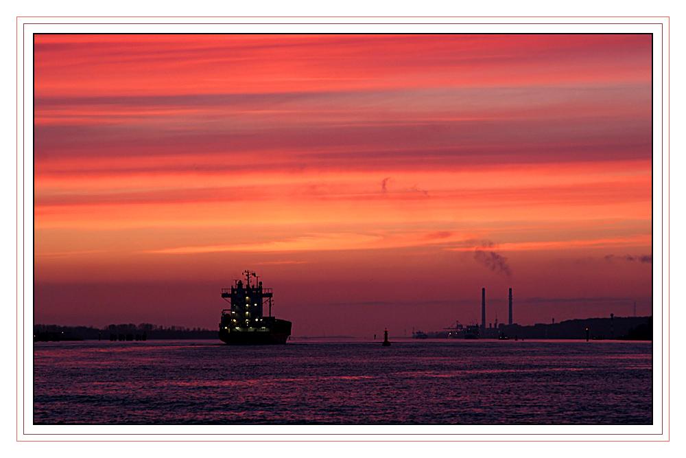 Farbenalarm auf der Elbe