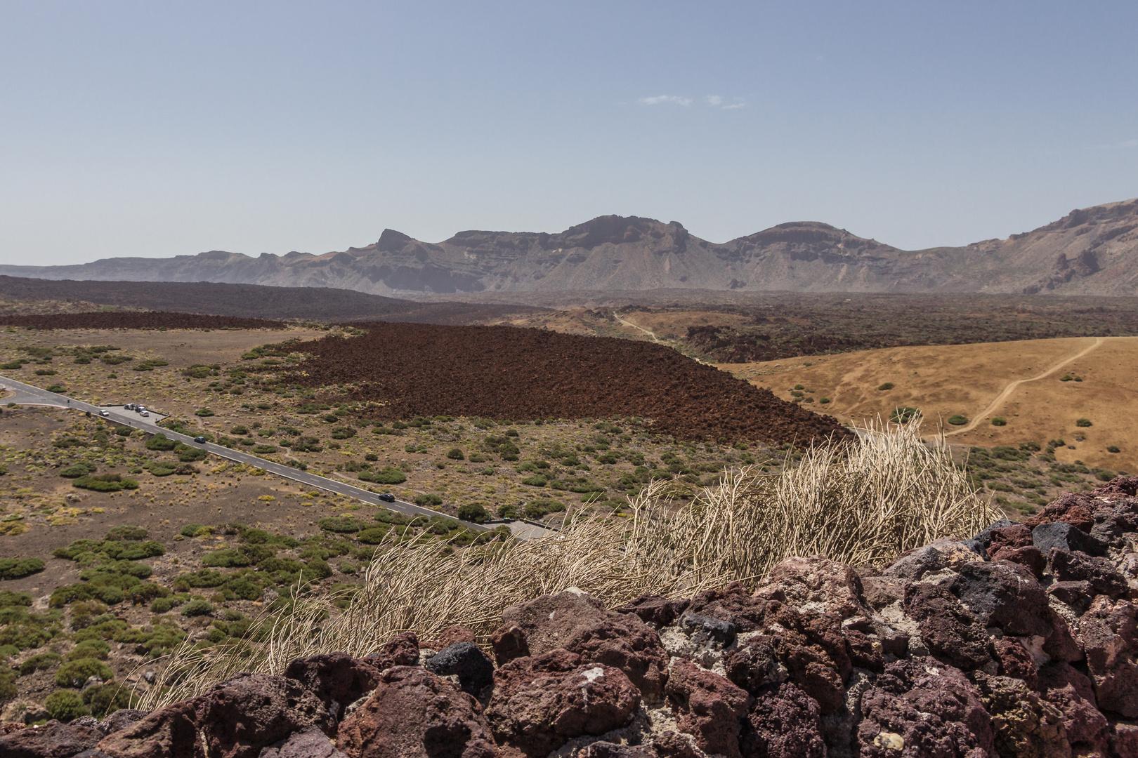 farbenfrohe vulkanlandschaft