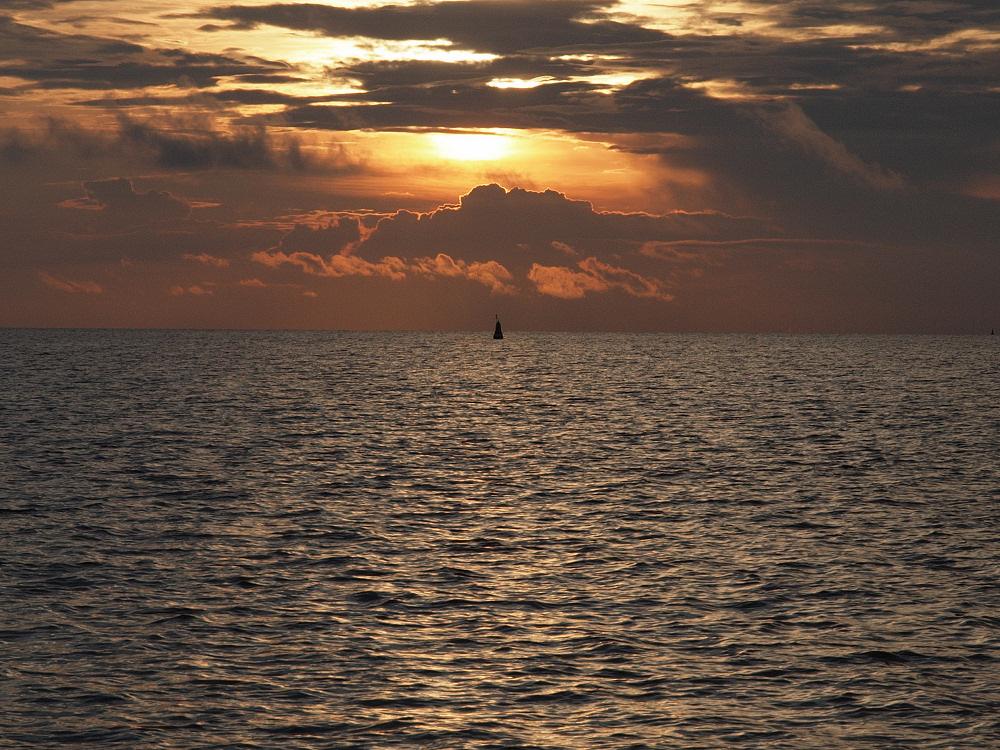 Farbenspiel am Strand der Insel Pöl (Mäc Pom)