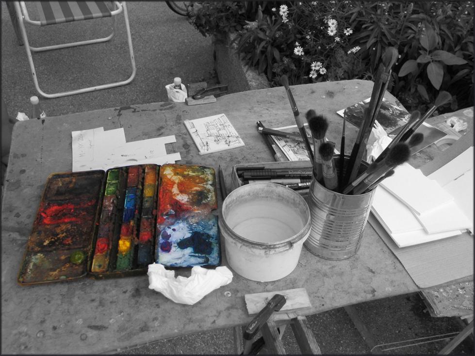 Farbkasten in der Fußgängerzone