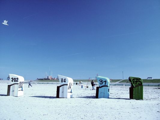 Farbspiel am Strand