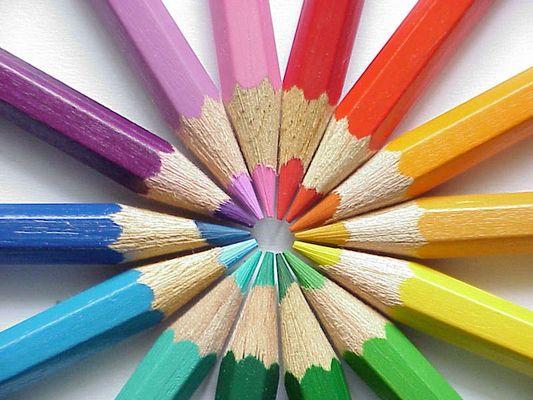 Farbstifte im Kreis