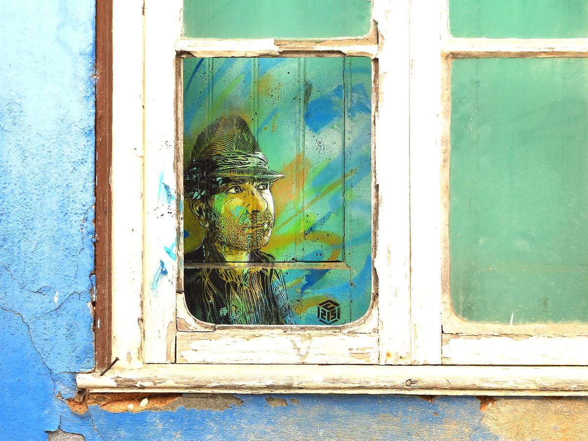 Faro, bemaltes Fenster