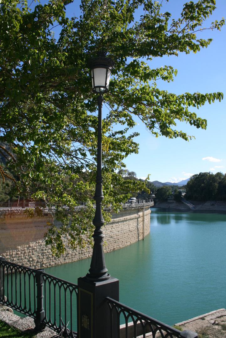 Farola del lago