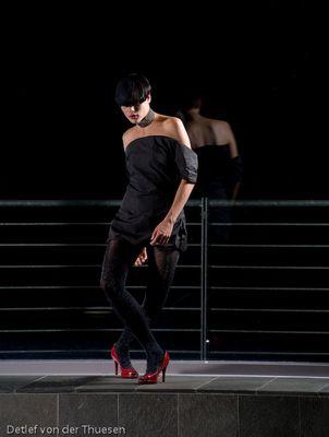 Fashion by Alex - am Fenster