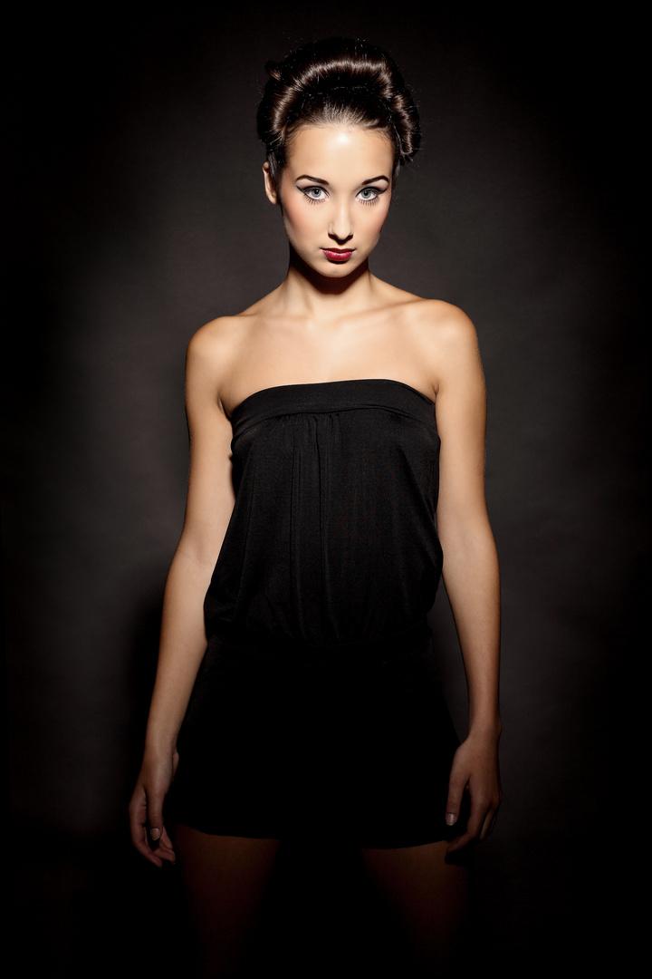 Fashion Rebecca