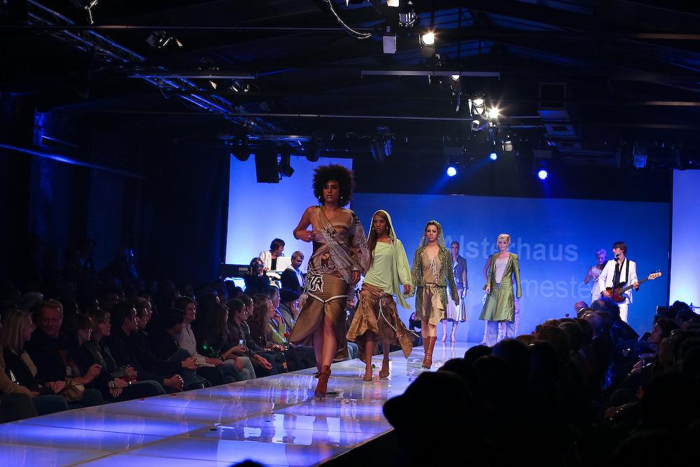 fashion show 2005 Hamburg JAK no3