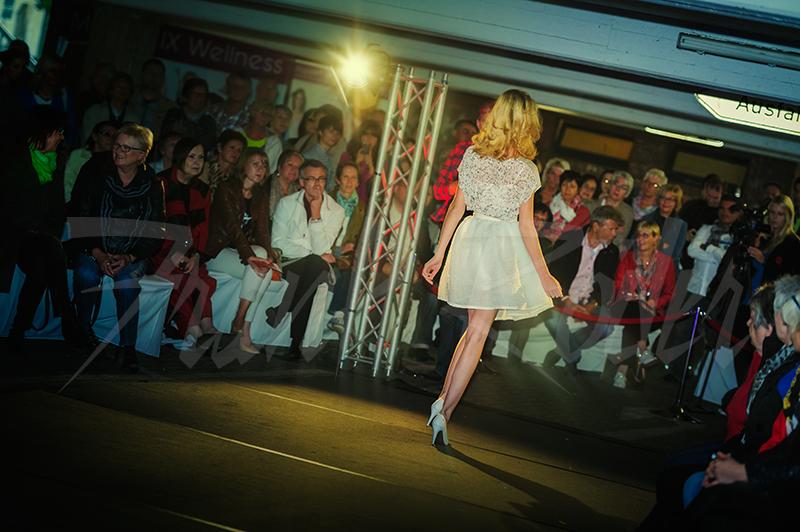 Fashion Show im Parkhaus