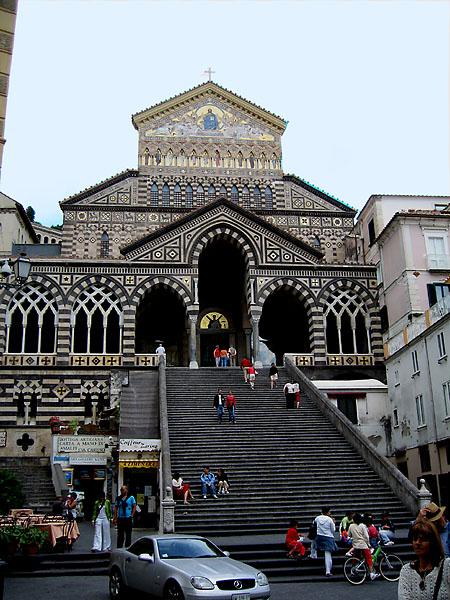 Fassade des Dom von Amalfi
