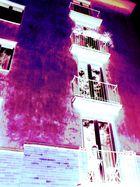 Fassade durch die rosarote Brille