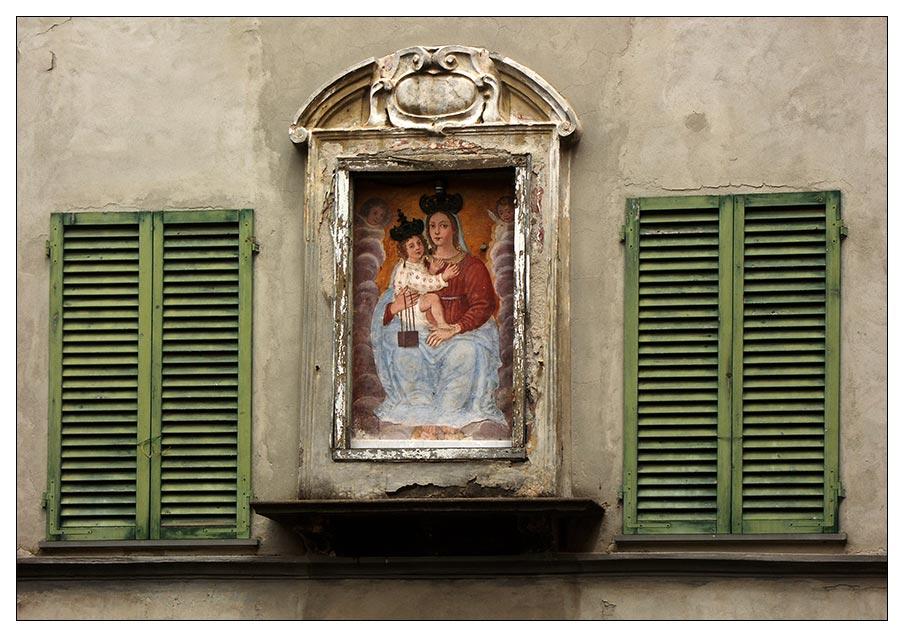 Fassade mit Bild