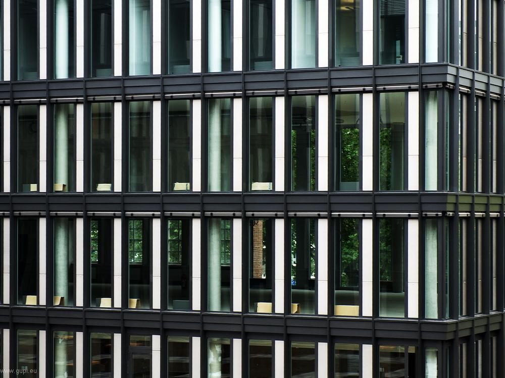 Fassade mit Durchblick - Glückaufhaus