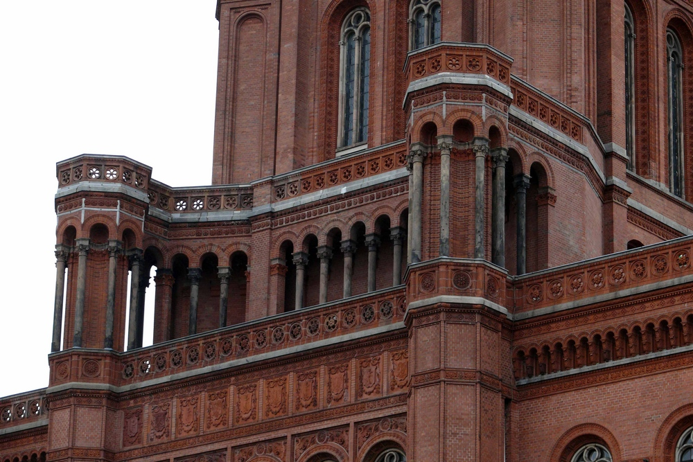 Fassade mit roten Klinkern