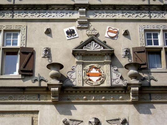 Fassadendetail des Herforder Neustadt-Rathauses
