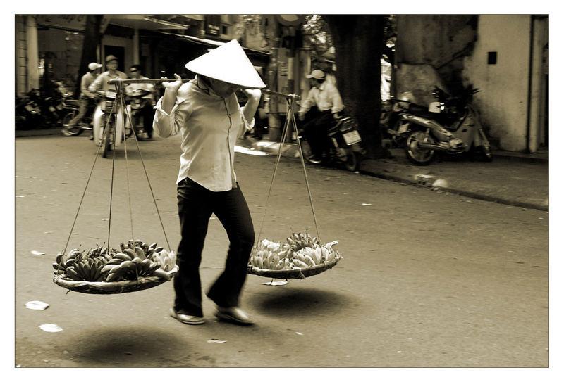 Fast Food in Hanoi ...