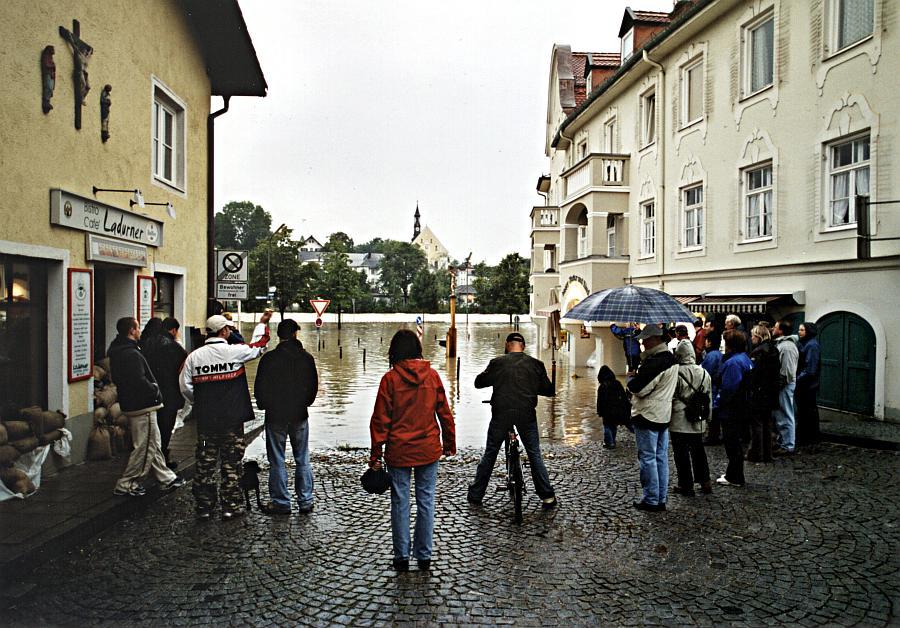 Fast schon wieder vergessen: Hochwasser im Voralpenland vor vier Wochen (1)