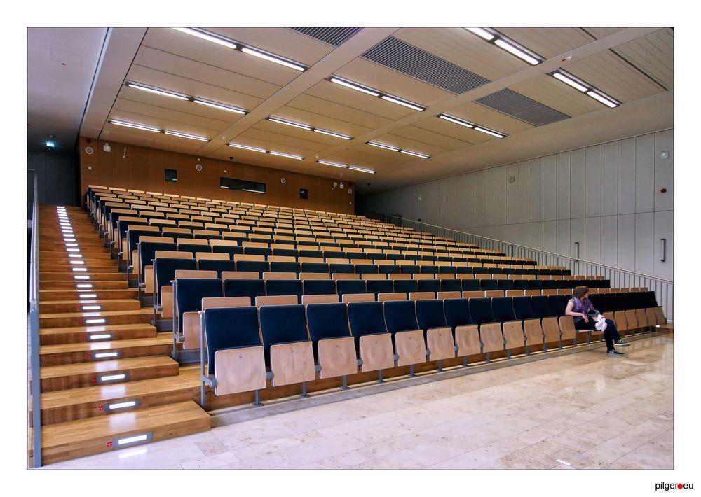 Fast voll leer - das Lehrzentrum